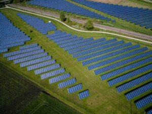 drony_farmy_solarne